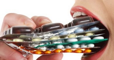 les antibiotiques, le danger des antibiotiques, les médicaments, trop de médicaments, l'industrie pharmacéutique